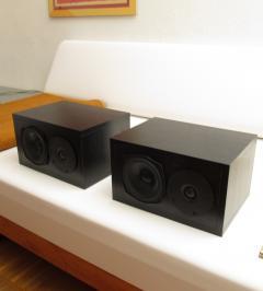 2 kompakte Bassreflex-Lautsprecherboxen