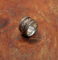 Ring Stahl ( ?) mit Kupfer