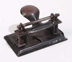 Locher aus Metall von 1900